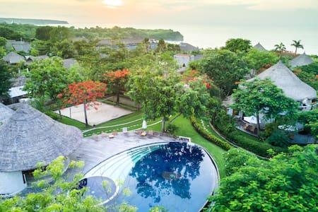 石头房间在个海边热带花园度假区 - 无边游泳池,饱早饭,大海滩就在门口 - 南库塔(South Kuta) - 小屋