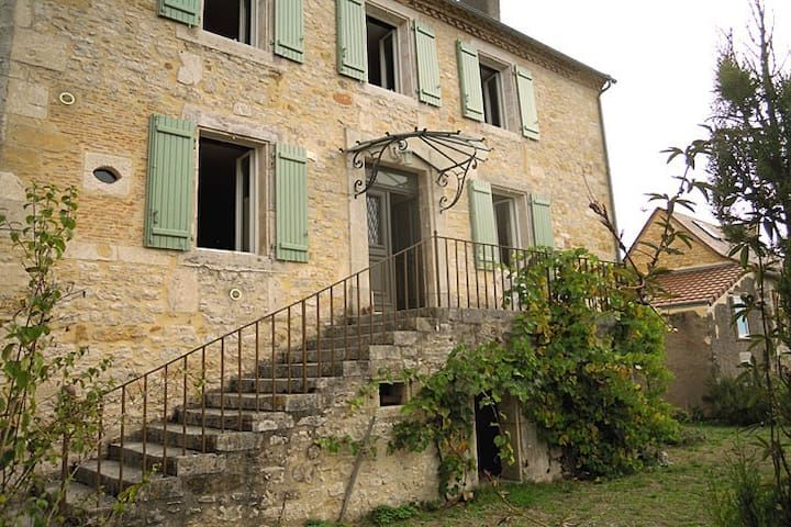 Country Manor Home & Gardens/Lascaux Caves-sleeps6 - Thenon - Talo