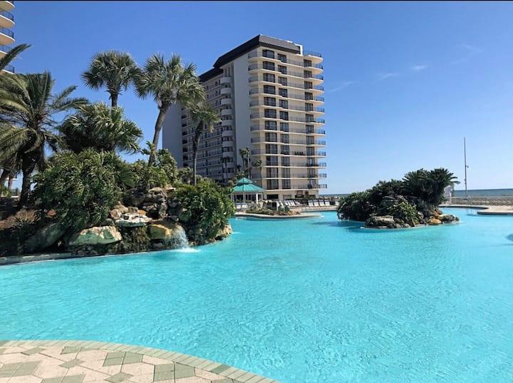 Beachfront Edgewater Resort Condo with a View!