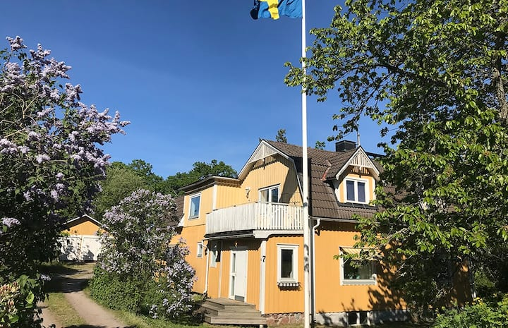 Hus vid havet i Figeholm Oskarshamn Småland