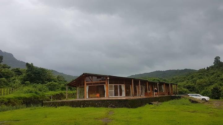 Luxurious, Huge Farmhouse in Peaceful Khopoli-Pali