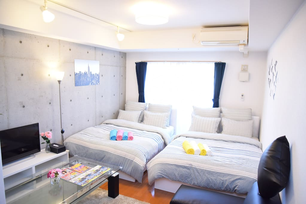 Bedroom(two double bed ,one single sofa bed,5people)室内写真
