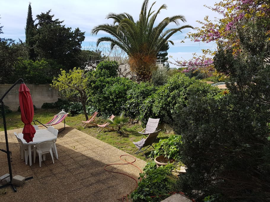 Entre mer et colline t3 avec jardin apartments for rent for Jardin 75m2