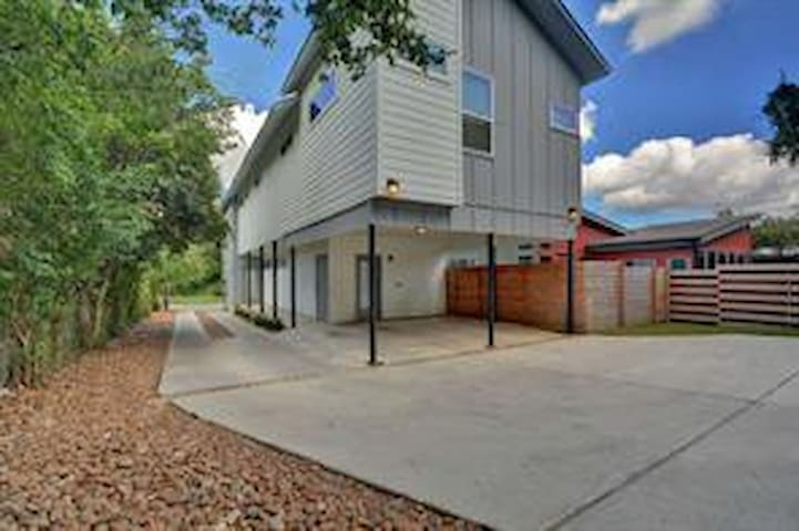 Casa Cometa nestled in East Austin.