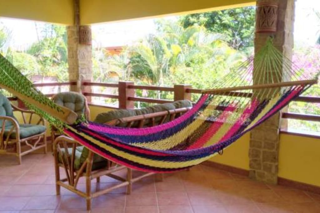 Villa 8 - Terrace and living area with Hammock