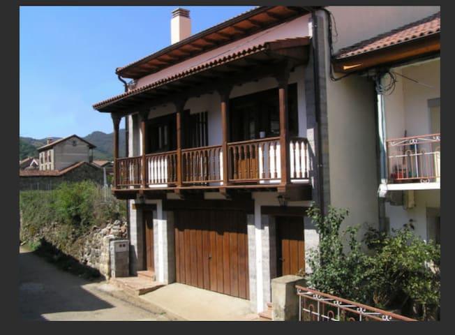Casa Rural Bermeja.Ruta del Cares.Picos de Europa