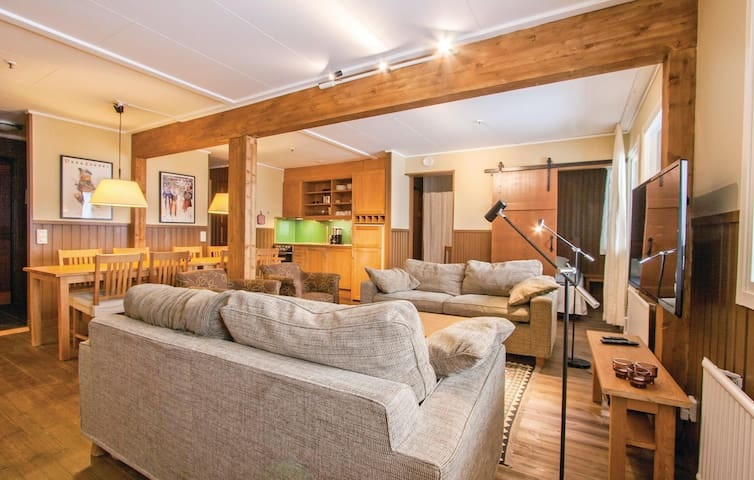 Holiday apartment with 4 bedrooms on 70 m² in Sälen