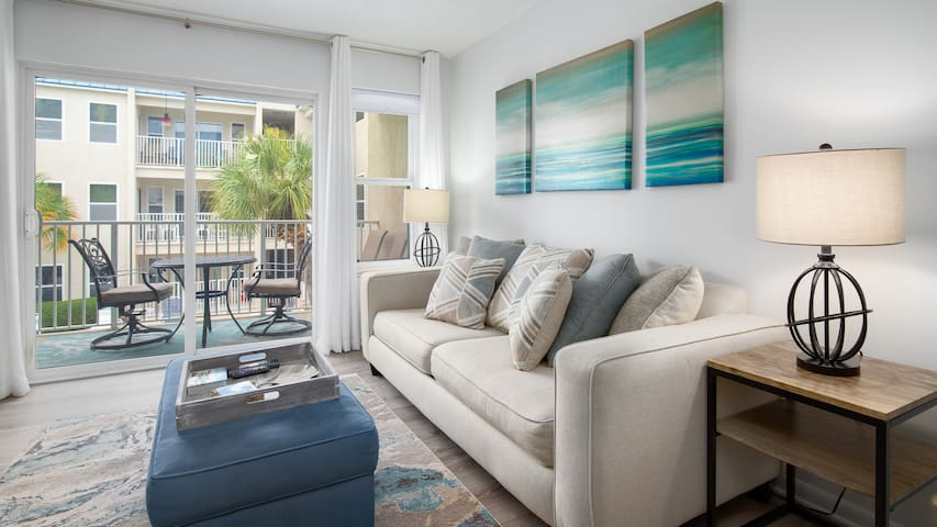 POOLSIDE BLISS   CLOSE TO DOWNTOWN   GULF VIEWS