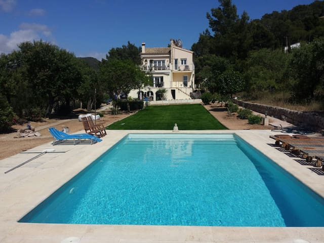 Beautiful Port d'Andratx Villa with Swimming Pool - Andratx - House
