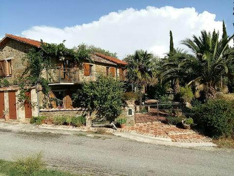 Casa Pietro e Pietra