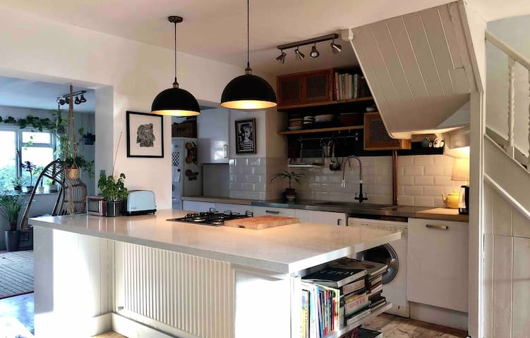 Entire characterful house, central Whitstable