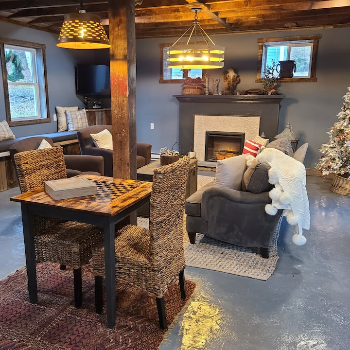 5839 Adirondack Farmhouse