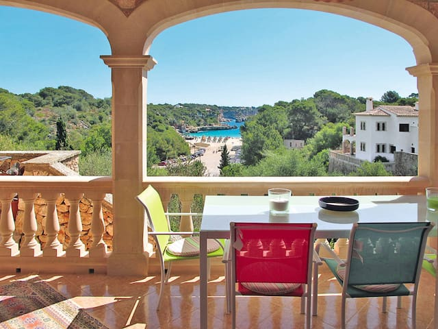 Holiday apartment in Cala Llombards
