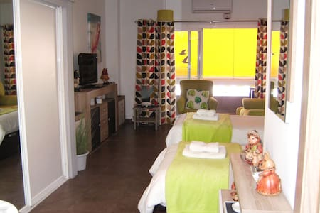 LUXURY 1ST FLOOR STUDIO, GOLDEN MILE,MARBELLA,WIFI