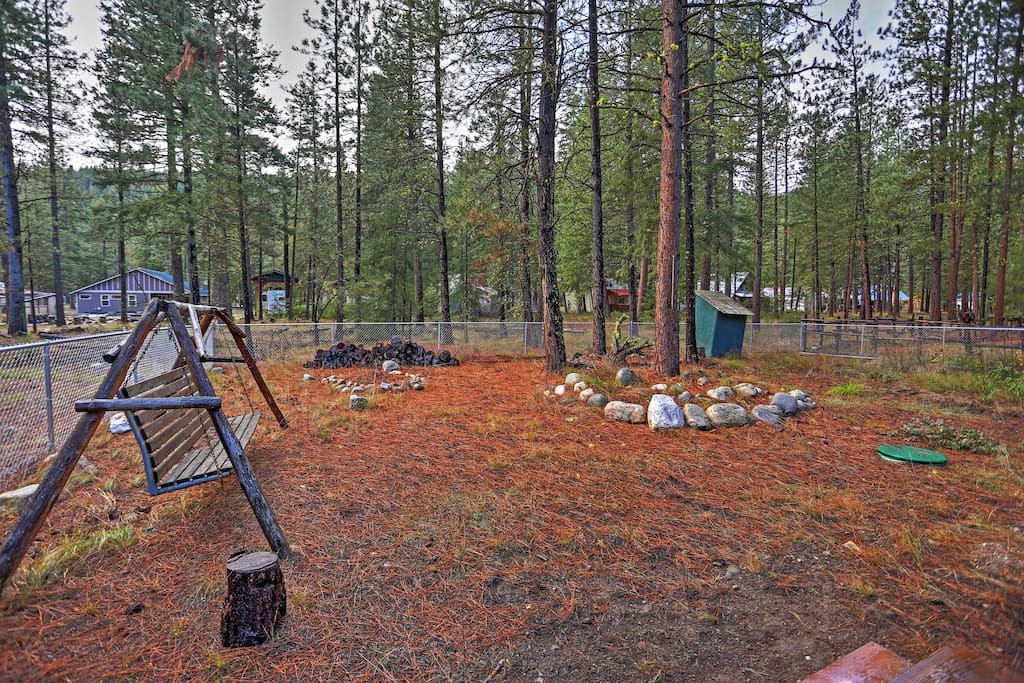 Make your next trip to the northwest here at this private Leavenworth vacation rental cabin!