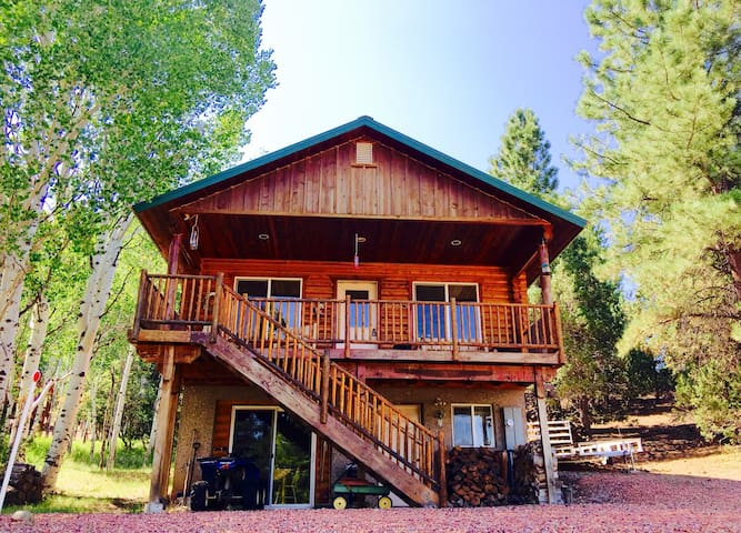 "R&R ""Rexford's Retreat"" Sharing our cabin with You - Alton - Kulübe"