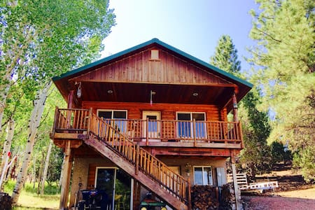 "R&R ""Rexford's Retreat"" Sharing our cabin with You - Alton - Kabin"