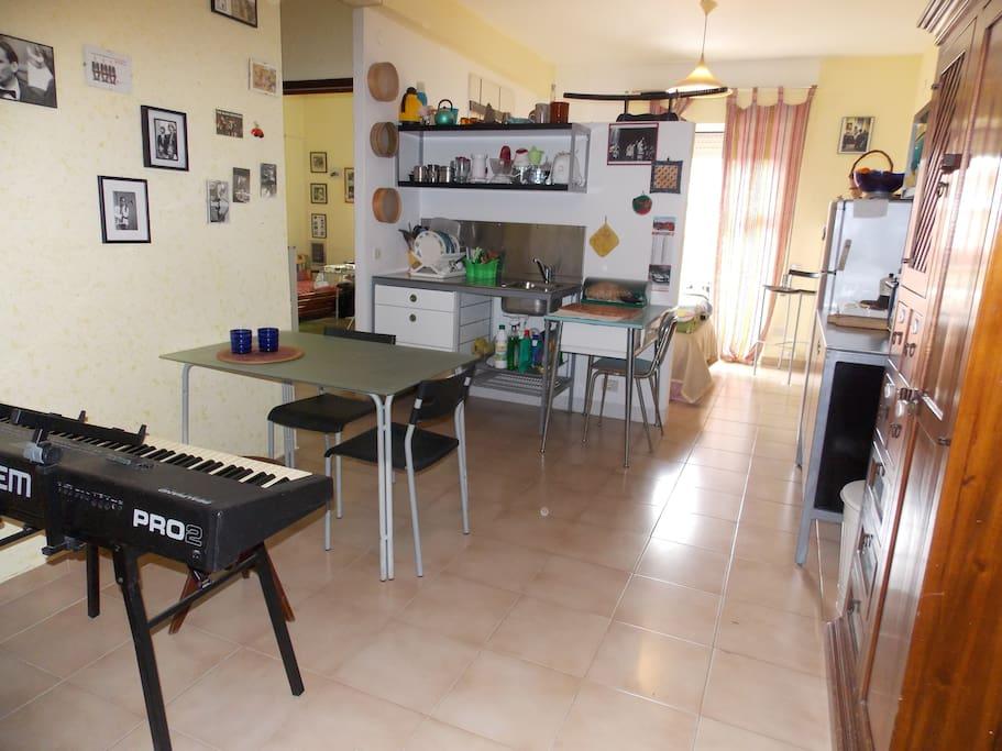 Sala pranzo, zona cucina