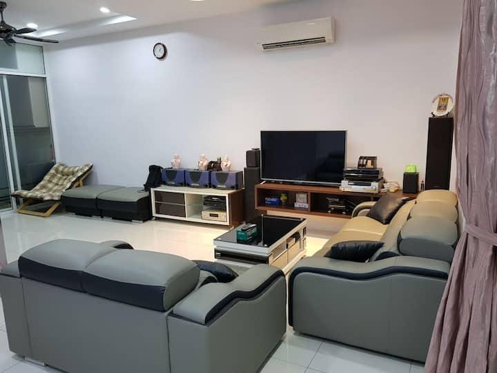 Penang Homestay Villa (3 Bedrooms 8-12pax)