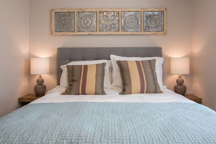 """""""Teal Bedroom"""" with Queen Bed"""