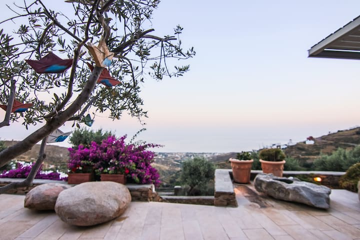 Deluxe Suite Sea View | Aeolis Tinos Suites