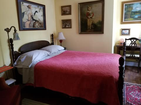 Mansion on the River: Jonquil Room, Bedroom 6
