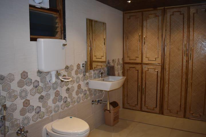Villa No.4 Bathroom