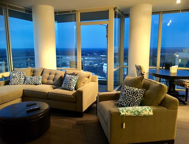 2br Luxury Apt, at Tysons, on Metro - Маклин - Квартира