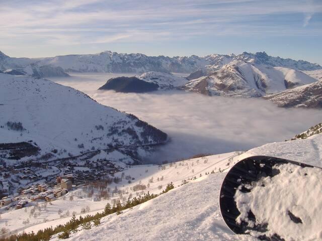 Studio Abordable au Coeur des Deux Alpes | Accès Piscine Extérieure + Casiers à Skis