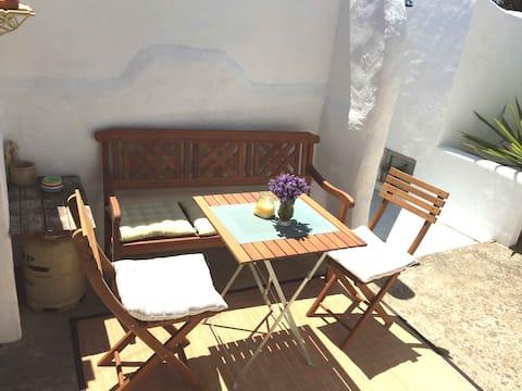 Typical Algarve village house , quiet and cosy