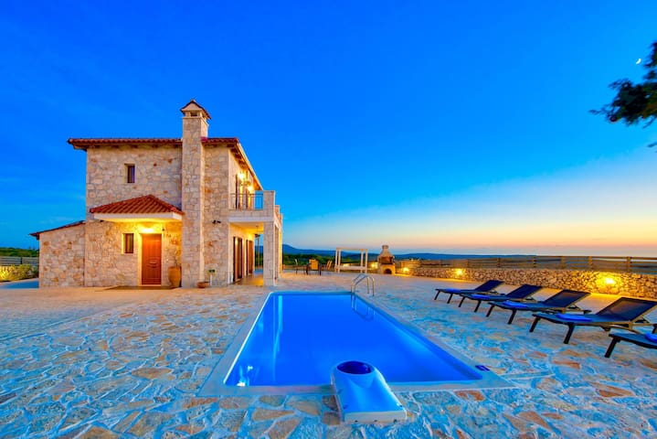 Villa Traditional I with private swimming pool