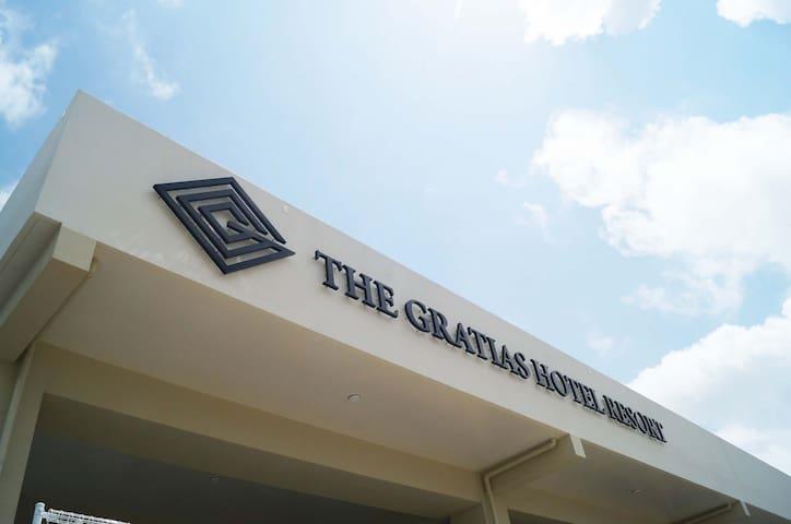 The Gratias Resort Okinawa♫ TWIN ROOM/201(3名様)