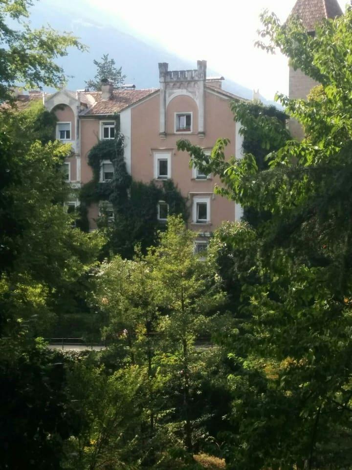 la vista della casa dalle Passeggiate