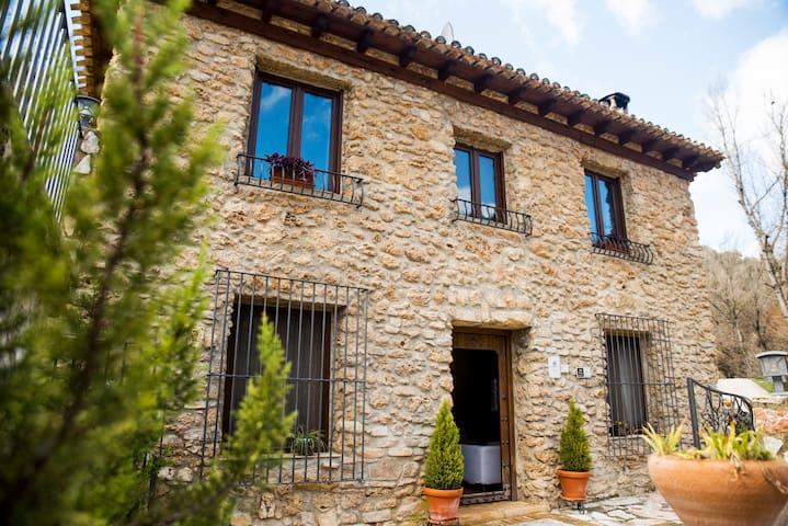 Villa in Granada Andalucia - private swimming pool