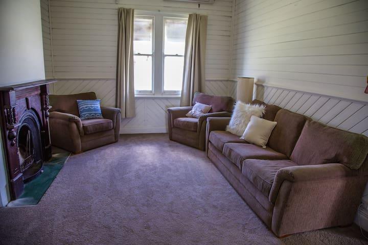 Pokolbin Farm House - King Bedroom