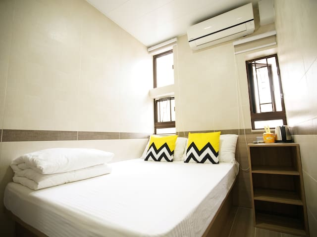 Double room for 2 Pax@near Mongkok MTR-E1