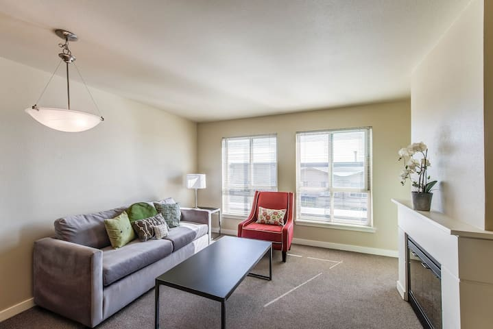 Apartment living at its finest | 2BR in Seattle