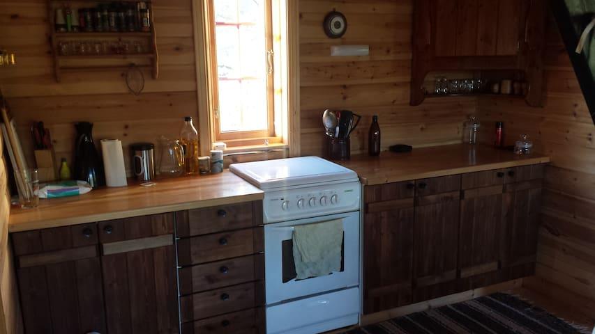 Kjøkkenbenk med gassovn