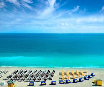 Great Miami Beach Stay Across Beach