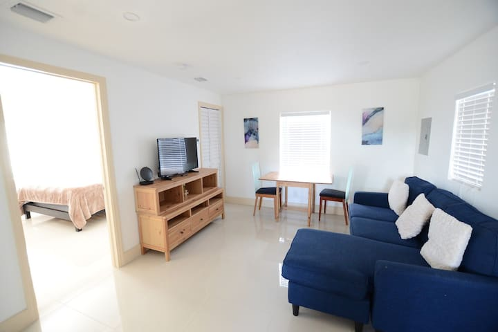 Cozy Remodeled Apartment in the Heart of Wynwood!