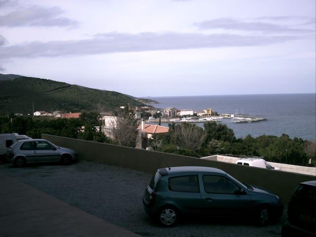 F2 standing vue mer - Luri - Apartament