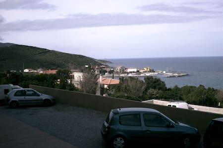 F2 standing vue mer - Luri