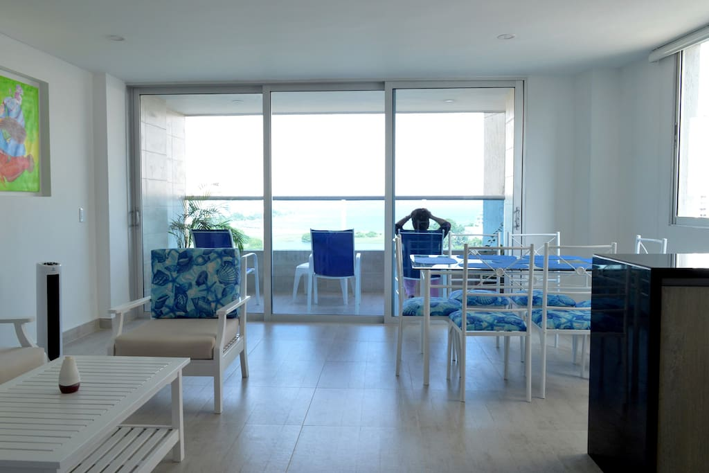 sala, comedor y balcón/ Living room, dining room and balcony