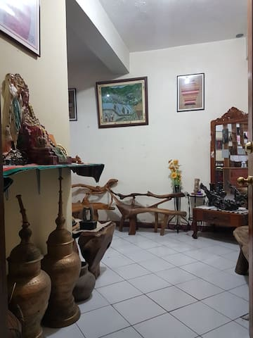 MJ's Homestay@ Baguio (1-7 persons)