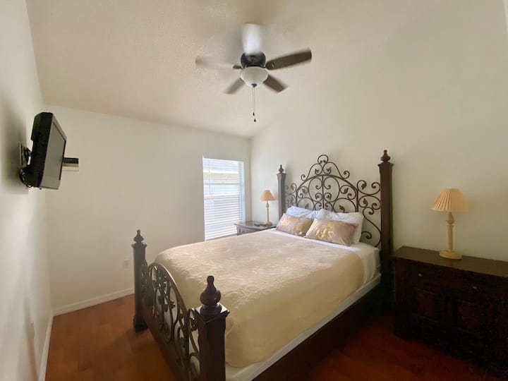 GREAT STAY NEAR PARKS AIRPORT & CONVENTION CENTER