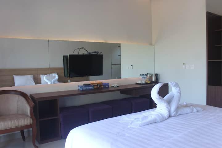 Room 12 double bed Mandhasativa Homestay