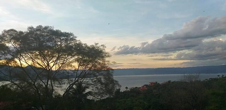 Loft magnífico, Ilhabela, verde e vista para o mar