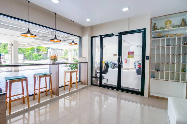 OYO Peaberry place apartment / Monthly rooms