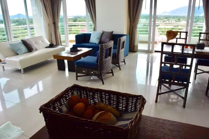 Seaside 2 BR suite, seaview balcony