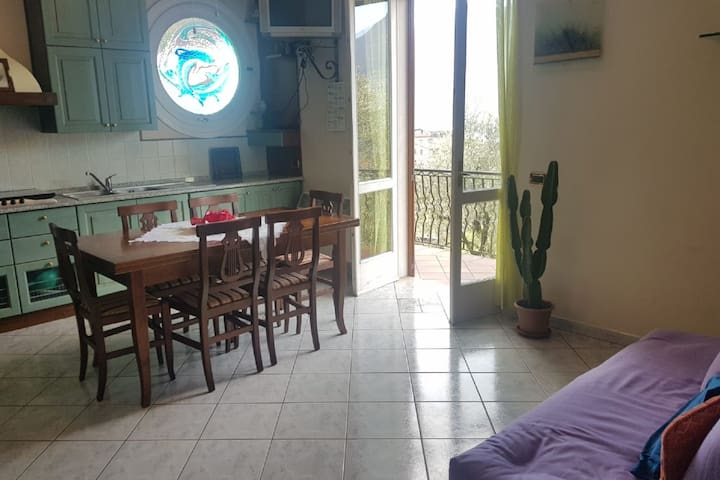 Traditional Apartment in Monte Isola near Lake Beach